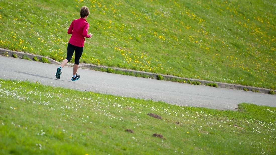 Dehnen vorm Jogging