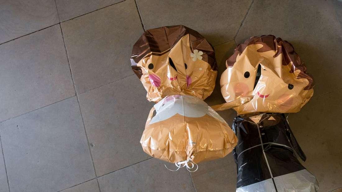 Luftballons in Puppen-Form: Manchmal ist die Luft raus